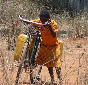 girl-fetching-water