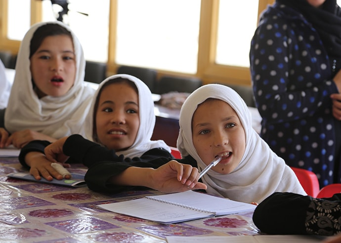 Students participate in Sahar's Early Marriage Prevention Program in Mazar-i-Sharif, Afghanistan