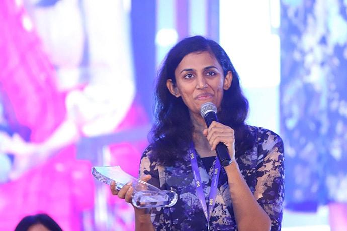 Kirthi Jayakumar with award