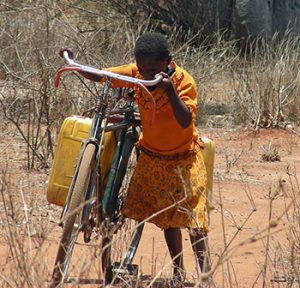 girl-fetching-water